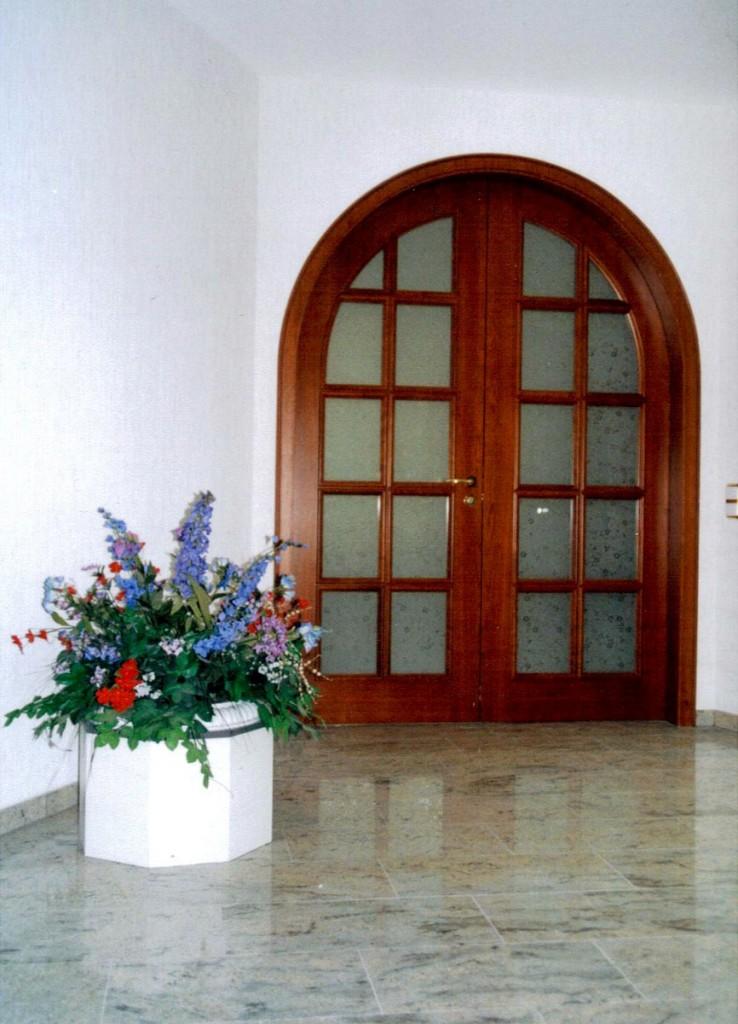 Zweiflügelige Rundbogeninnentür mit Sprossen, echtholzfurniert Kische