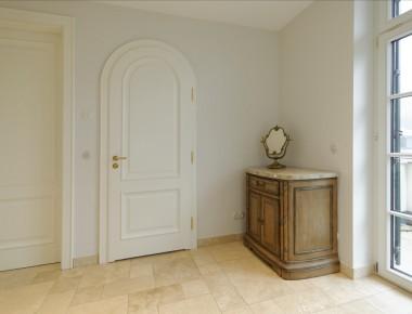 Zeitlos schöne Rundbogentüren für eine Berliner Villa