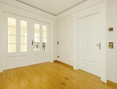 klassische innent ren. Black Bedroom Furniture Sets. Home Design Ideas