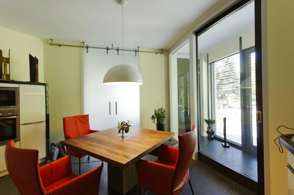 Gebogene Turen Schiebetur Fur Ein Aussergewohnliches Architektenhaus