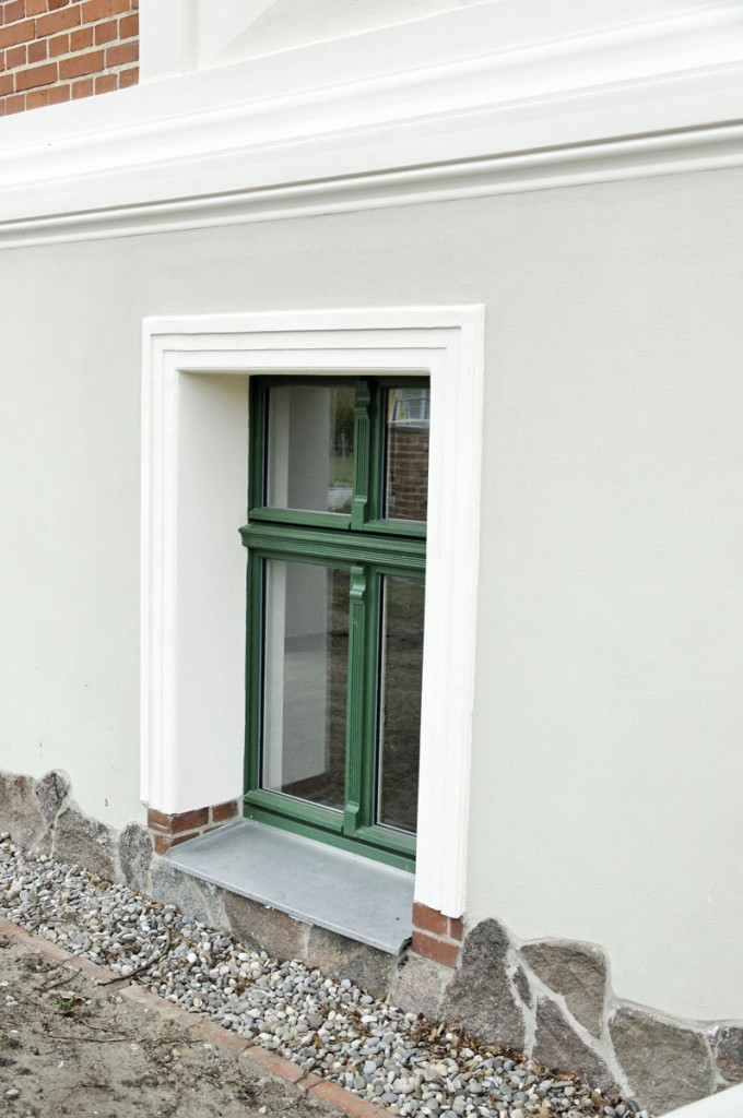 Bild Nr. 957: Vierflügeliges Fenster Im Souterrain