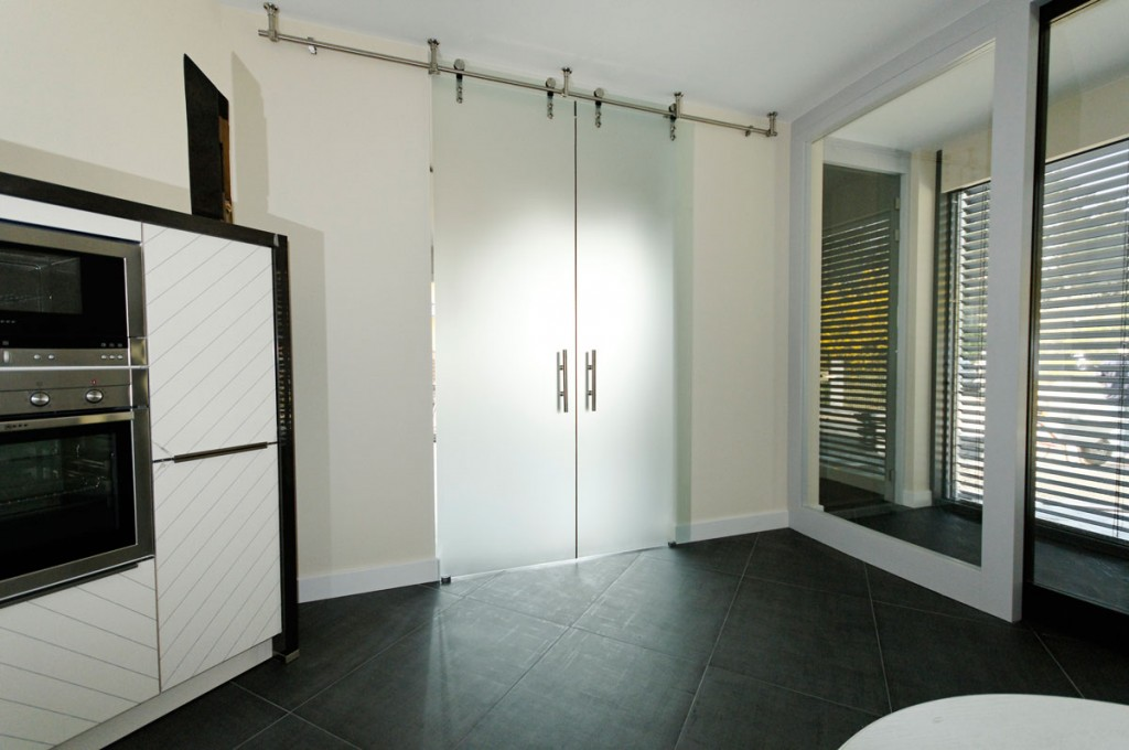 innent ren nur glast ren. Black Bedroom Furniture Sets. Home Design Ideas