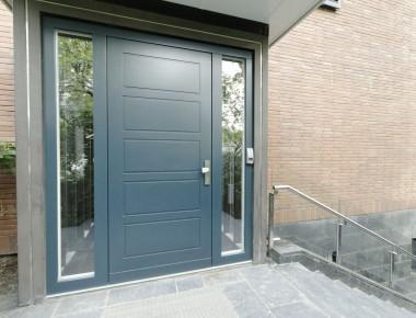 Haustüranlage für eine Zehlendorfer Villa