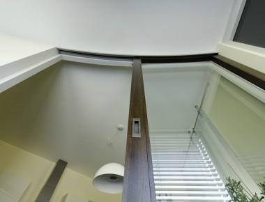 Gebogene Schiebetür für ein außergewöhnliches Architektenhaus